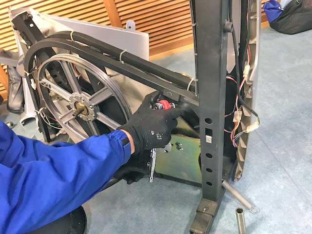 エアロバイク900U-ex Vリブベルト交換修理